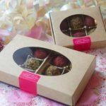 Valentines Boîte de douze truffes at Sophie Sucree
